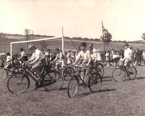 Slow Cycle Race