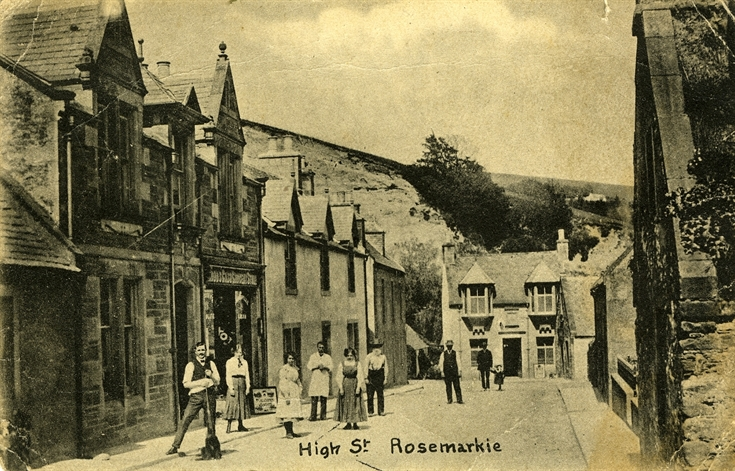 An old postcard image of High Street, Rosemarkie